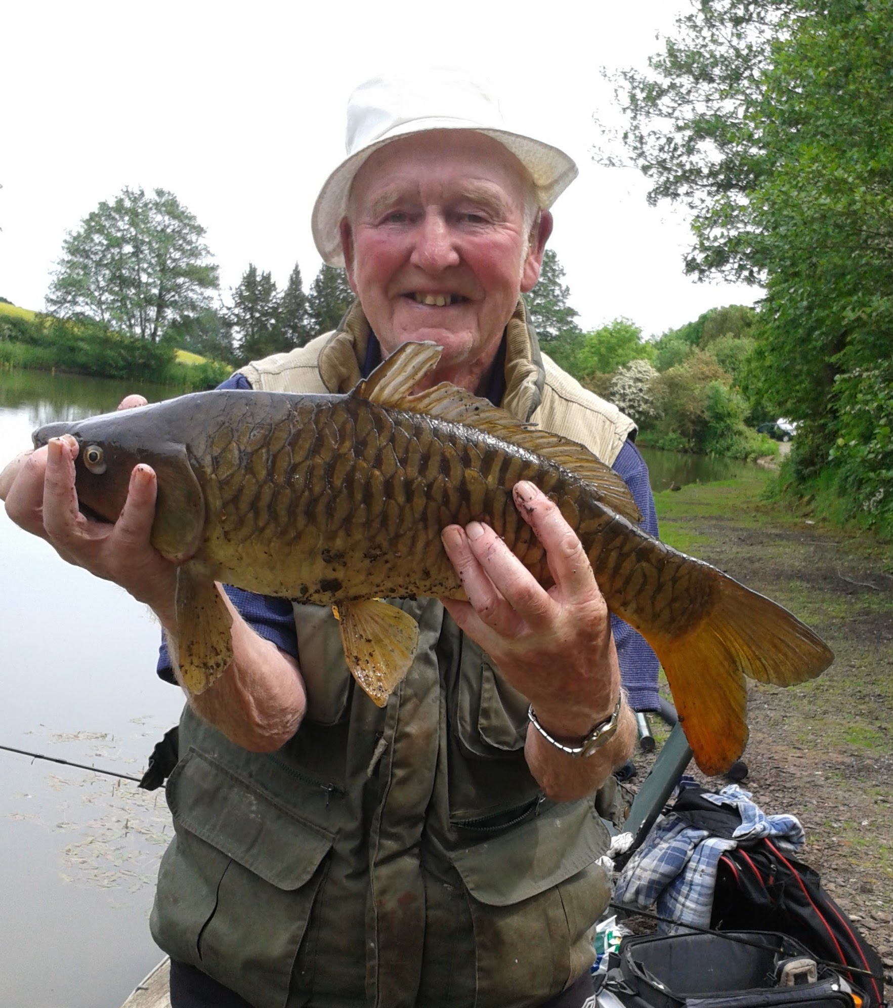 Fred Davies with carp caught on bread 7/6/15