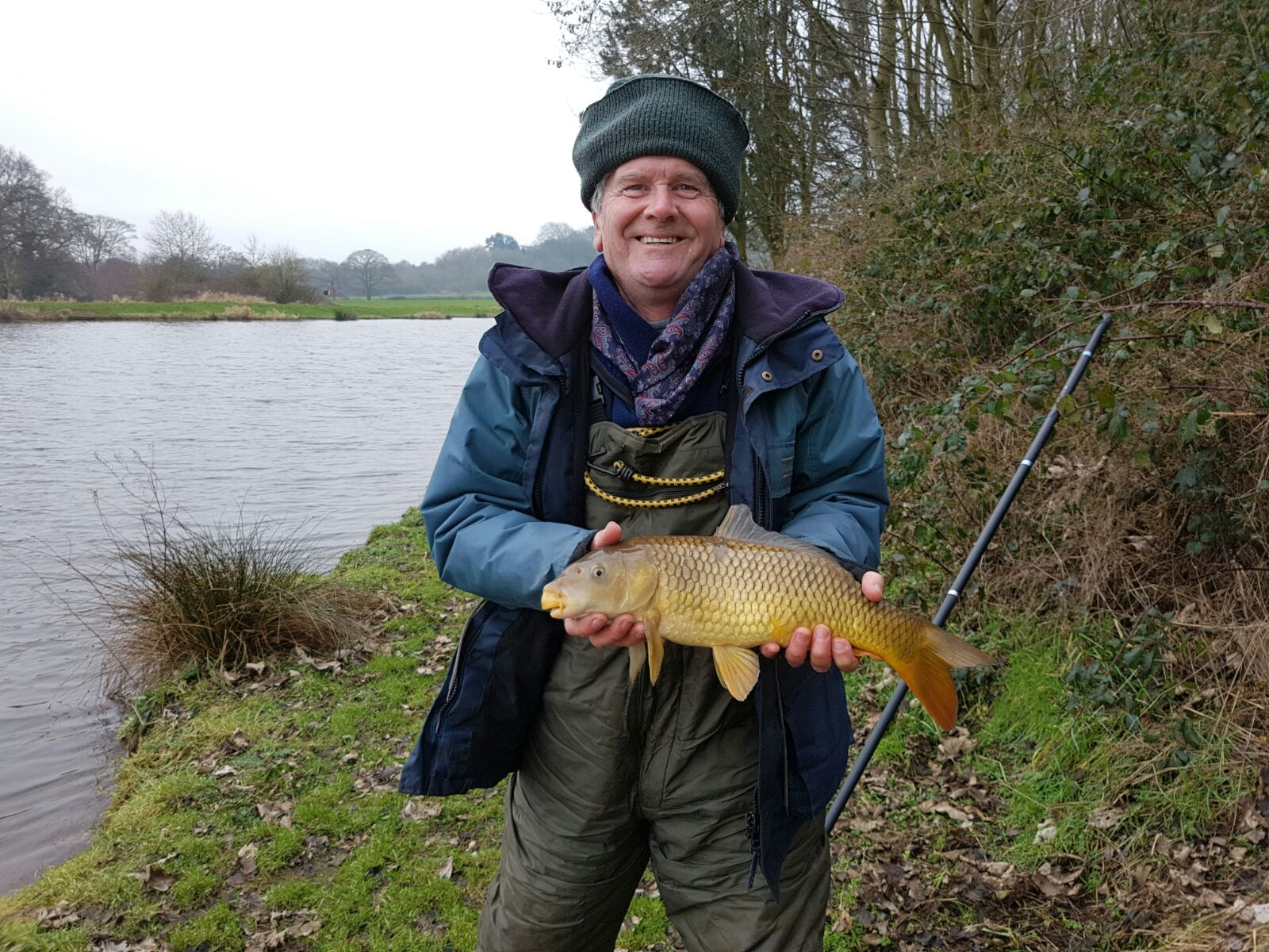 DAVE WITH WINTER CARP CAUGHT 14/02/17.