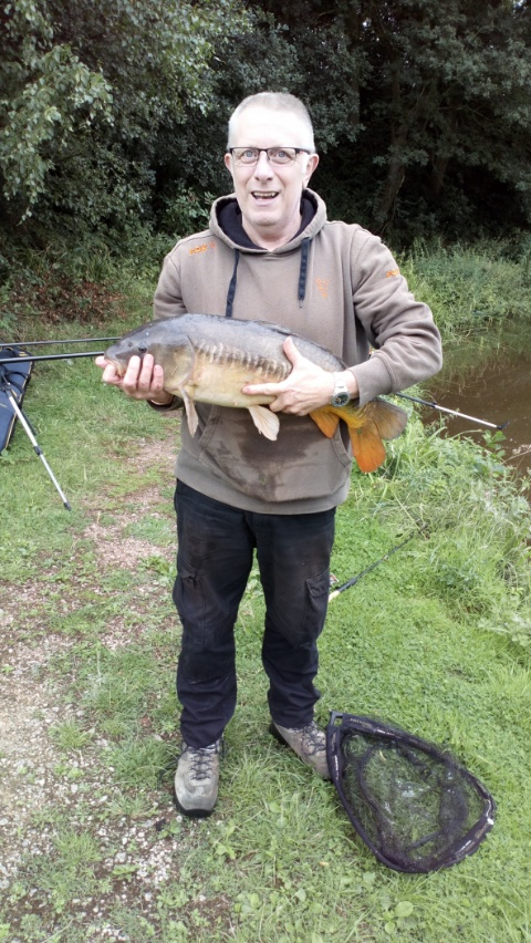 STEVE MALAM WITH CARP 14lb+ CAUGHT ON PELLET. 23/08/18